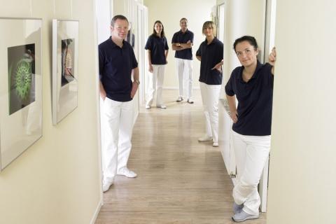 Gruppenaufnahme Zahnarztpraxis